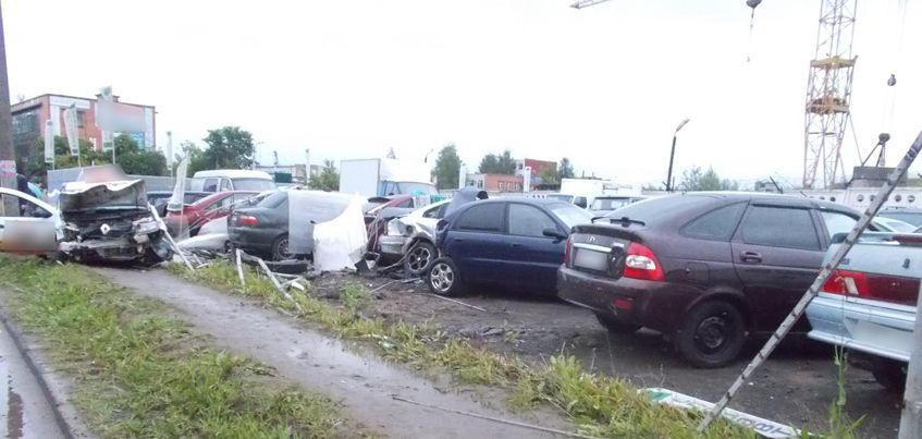 Таксист, устроивший ДТП на улице 9 Января в Ижевске, может лишиться прав на 2 года
