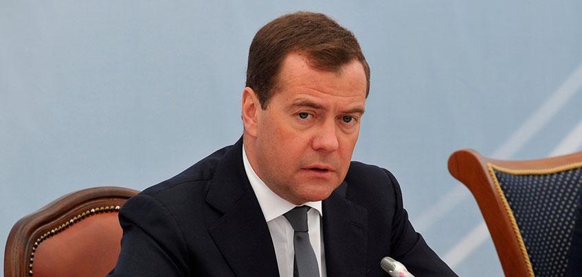 Дмитрий Медведев поручил министру образования России ускорить строительство двух школ в Удмуртии