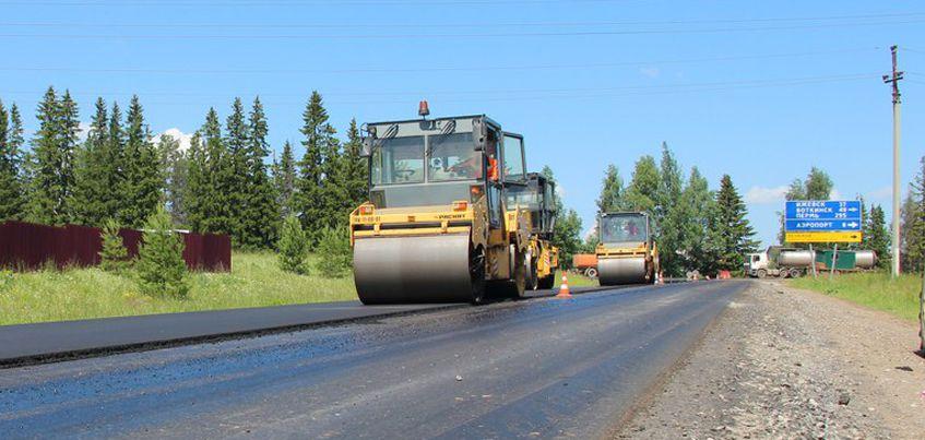 В Удмуртии начали укладывать второй слой асфальта на трассе «Завьялово-Каменное»