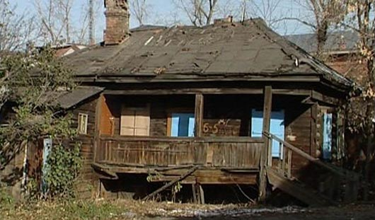 Три ижевские семьи живут в бараке без воды и отопления
