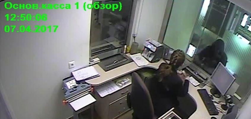 В Ижевске задержали мужчину, который ограбил отделение банка на улице Труда