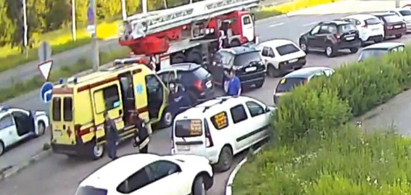 В Ижевске 26-летний мужчина угнал «скорую»