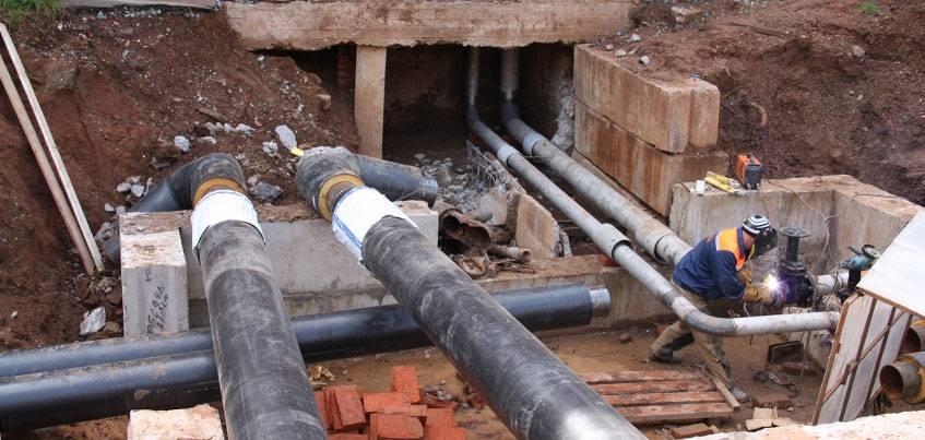Сложная реконструкция теплосетей на улице Сабурова перешагнула экватор