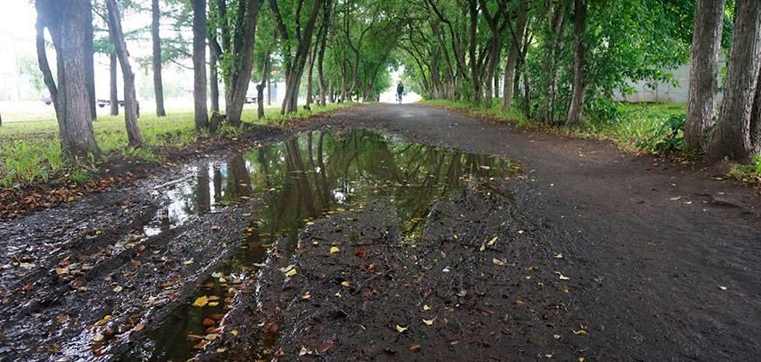 В Ижевске на ремонт тротуаров в 2017 году выделили всего 10 млн рублей