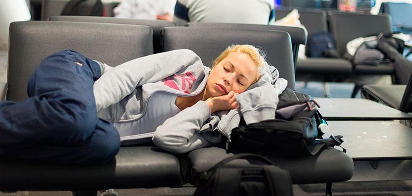 Лететь нельзя задерживать: на что претендует турист, чей рейс задержали?