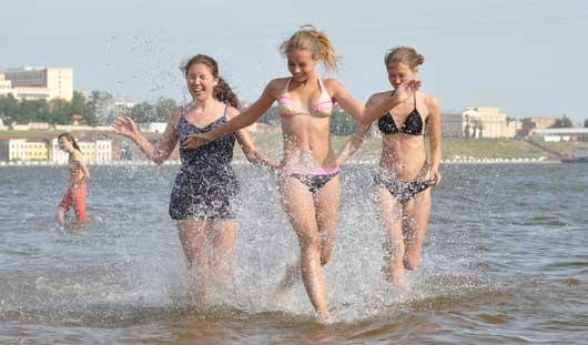 Есть вопрос: почему опасно купаться в Ижевском пруду?