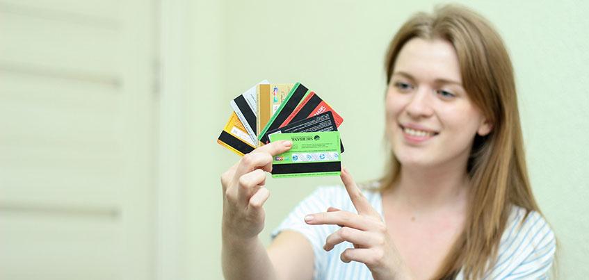 Выгодные покупки: как ижевчанам сэкономить с помощью банковских карт?