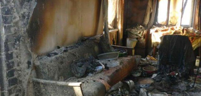 В Удмуртии женщина с пятью детьми осталась без крыши над головой после пожара