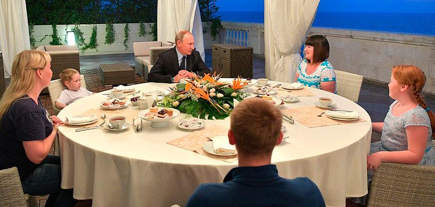 Ижевчанка рассказала про отдых в Сочи, шикарный отель и чаепитие c Владимиром Путиным