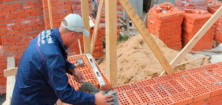 Камень, дерево, каркас: из чего ижевчанам построить дом?