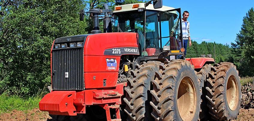 Трактора модели 2375 от Ростсельмаш на полях Удмуртии