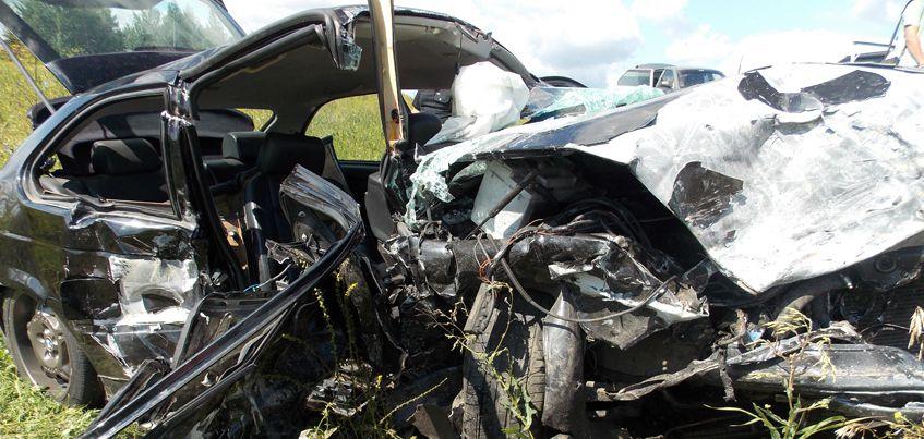В Удмуртии водитель «БМВ» устроил массовое ДТП, в котором пострадали 5 человек