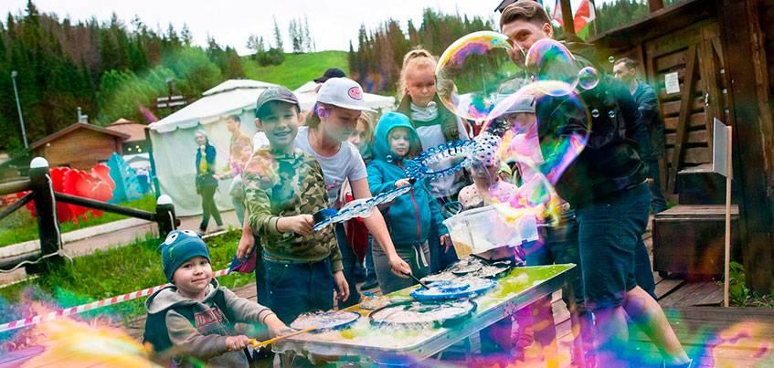 Фестиваль красок, концерт Юлии Коган и 30 бесплатных мастер-классов: в Удмуртии пройдет фестиваль КамаФест «Яркие люди»