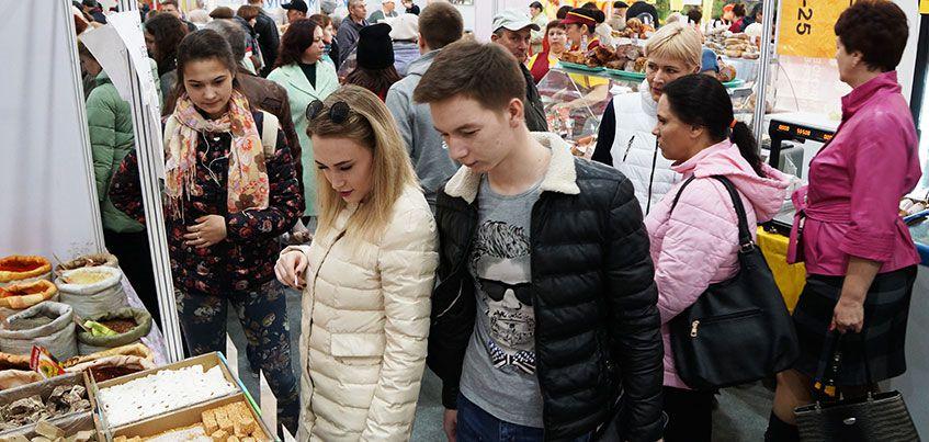 Интересно и со вкусом: для жителей Ижевска открылась «Всероссийская ярмарка в Октябрьском районе»