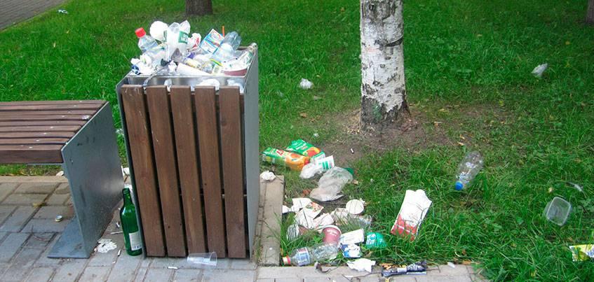 Сквер Кудинова в Ижевске: здесь по-прежнему грязно