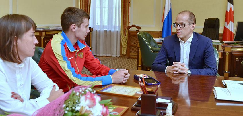 Александр Бречалов встретился с призером чемпионата мира по легкой атлетике Сергеем Широбоковым