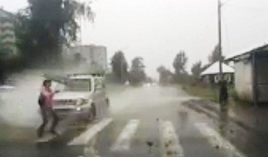 В Ижевске легковушка сбила девушку на пешеходном переходе