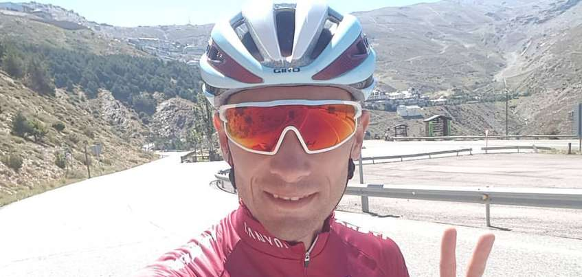 Ижевского велогонщика Максима Белькова столкнули с трассы на этапе международной велогонки «Вуэльта Испания»