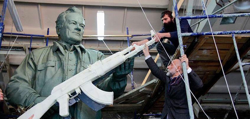 Памятник ижевскому конструктору Михаилу Калашникову откроют в Москве 19 сентября