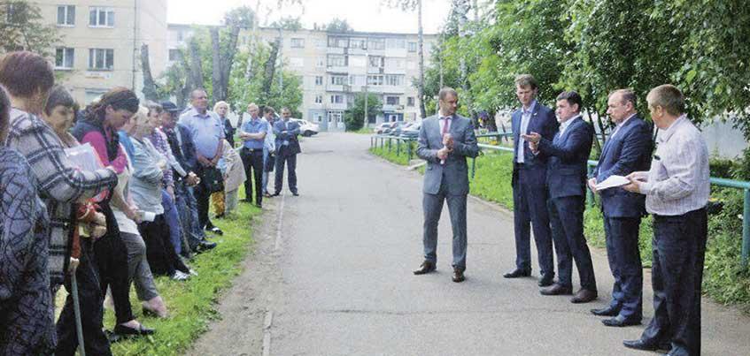 Александр Прозоров: работы по благоустройству двора на улице Петрова, 17 начнутся в августе