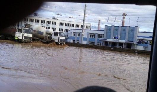 В Ижевске из-за дождя парализовало движение троллейбусов в районе Нефтемаша