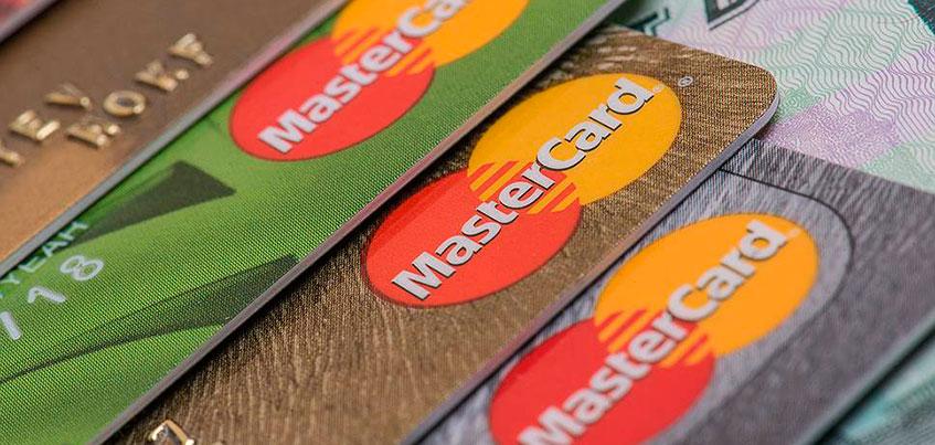 Клиенты Сбербанка в Ижевске пожаловались на перевод дебетовых карт в овердрафтные