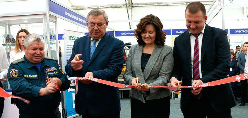 Знаковые для Удмуртии промышленные выставки открылись на Центральной площади Ижевска