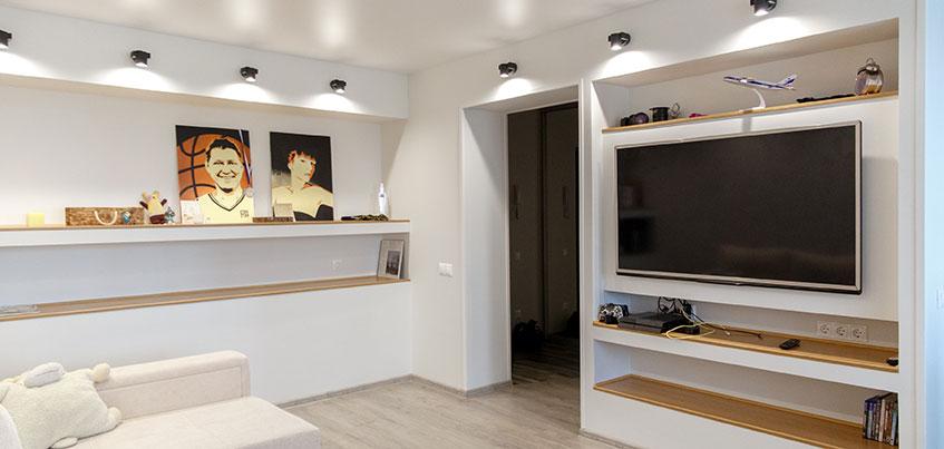 Квартира недели: Только светлые цвета, никаких шкафов и съемочная площадка на кухне