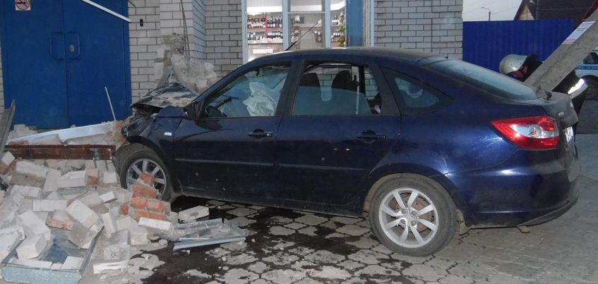 В Удмуртии девочке, которую сбили у крыльца магазина в Камбарке, ампутировали ногу