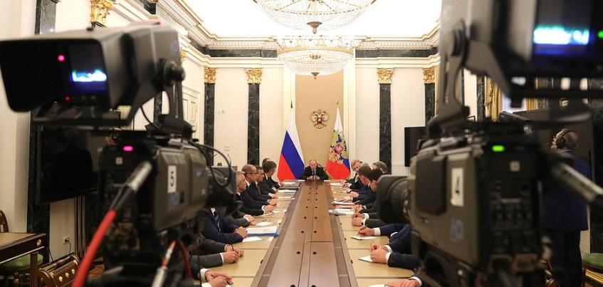Глава Удмуртии Александр Бречалов встретился с Владимиром Путиным