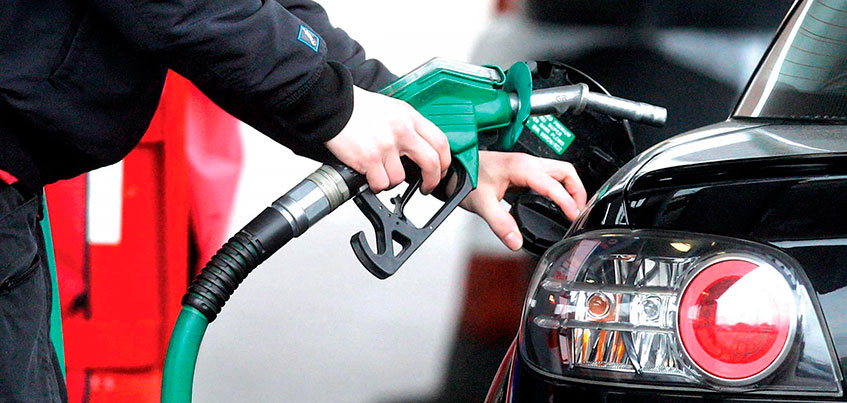 Накинуть по рублю: в 2018 году в Ижевске, из-за роста акциза, вновь подорожает топливо