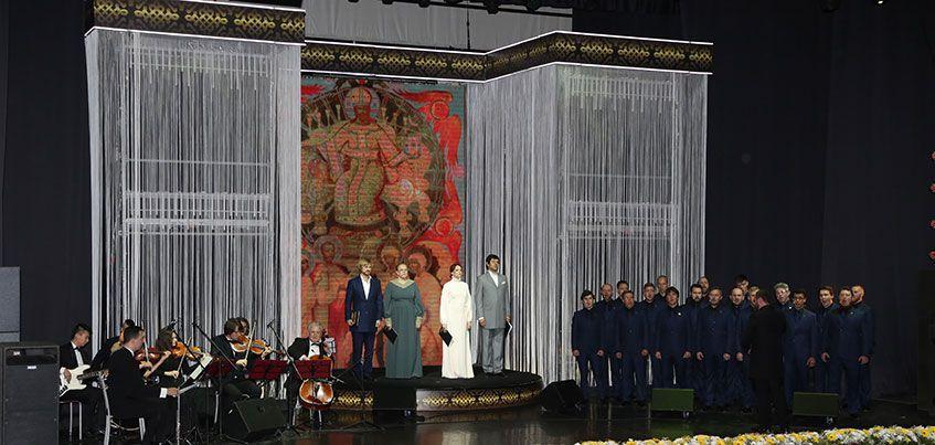 В ДК «Аксион» выступил Хор Сретенского монастыря и известные артисты России