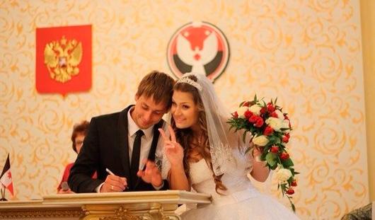 Ижевские молодожены: Учились по слогам говорить «Я люблю тебя»