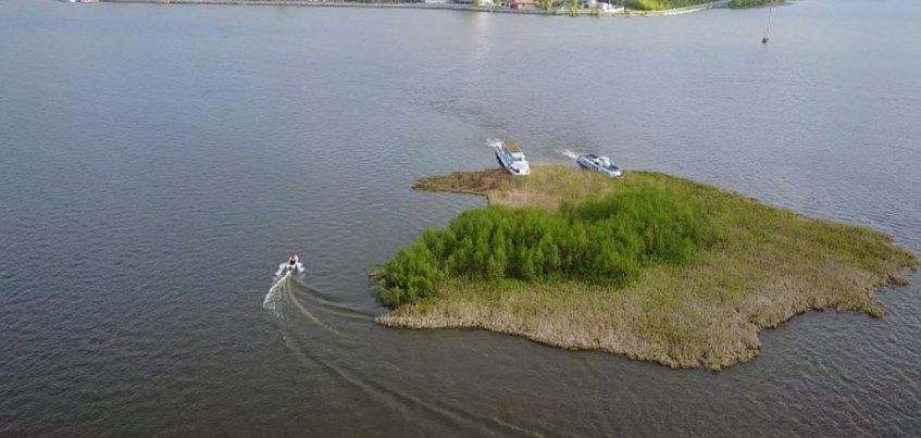 Минприроды Удмуртии: плавучий остров будет прибит сваями ко дну