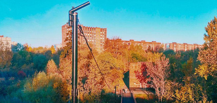Фотофакт: на мосту через речку Карлутку в Ижевске начали делать освещение