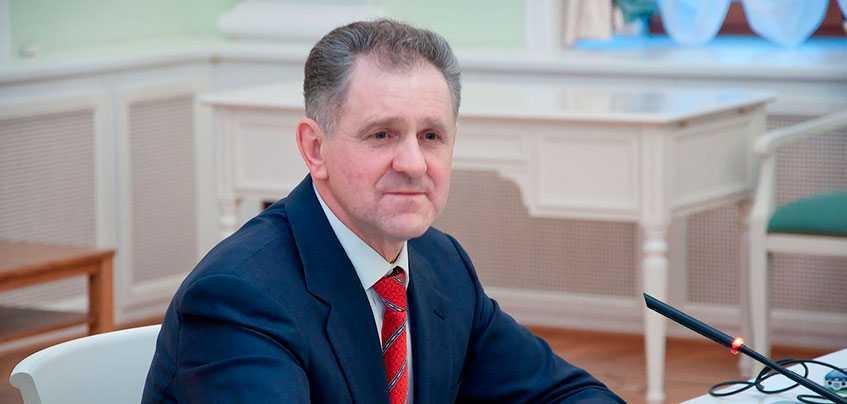 17 лет со дня избрания первого Президента Удмуртии: чем запомнится руководство Александра Волкова?
