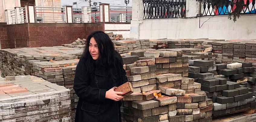 Лолита Милявская приехала в Ижевск и пожелала жителям региона доброго утра