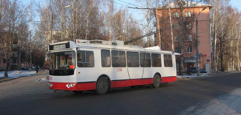 В Ижевске на Ударной мужчина избил водителя троллейбуса, попросившего уступить дорогу