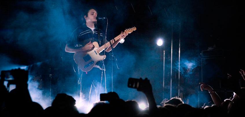 Вокалисту группы «Валентин Стрыкало» перед концертом в Ижевске потребовался врач-фониатр