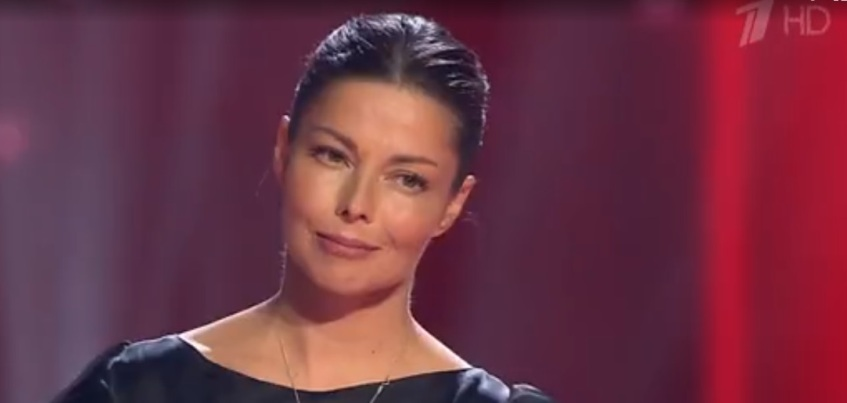 Певица из Удмуртии Юлия Валеева не прошла этап «поединки» в шоу «Голос», но остается в проекте