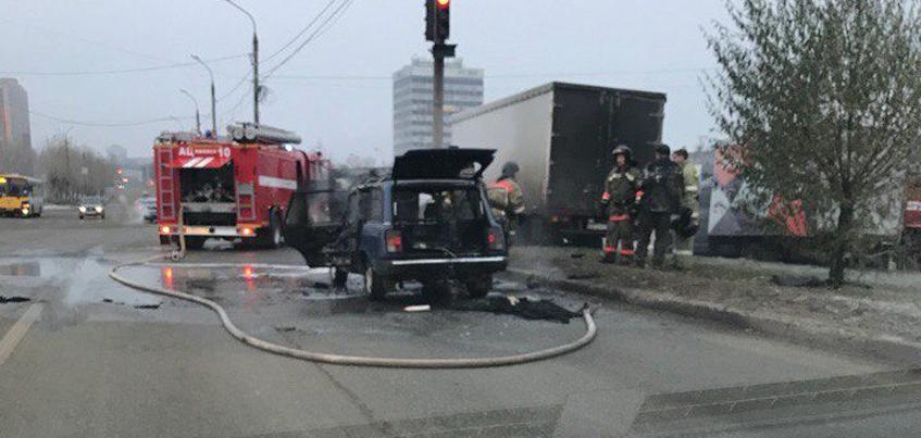 В Ижевске 29 октября загорелся автомобиль