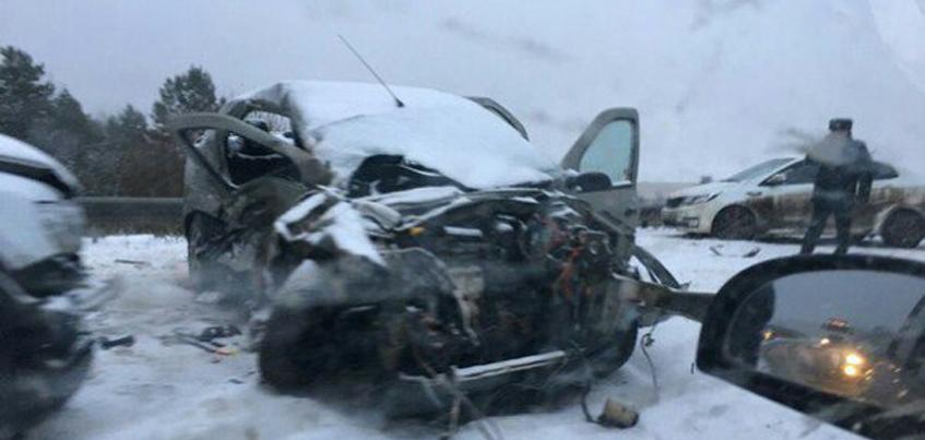 В Удмуртии в ДТП с тремя авто погиб ребенок