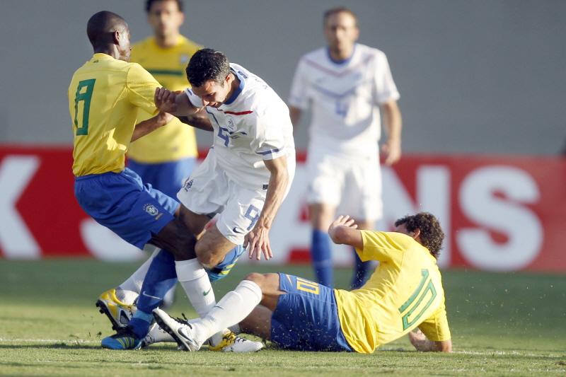 Голландия завоевала бронзу ЧМ, разгромив Бразилию со счетом 3:0