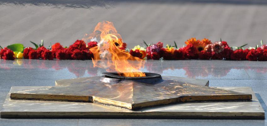 50 лет назад в Ижевске был зажжен Вечный огонь Славы