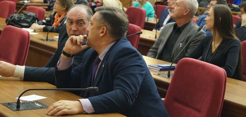 Ижевчане просят власти города облагородить парк Космонавтов и лес у ТРК «Столица»