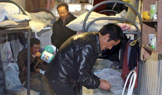 Ижевчанка в своей однокомнатной квартире незаконно зарегистрировала 5 жителей Узбекистана