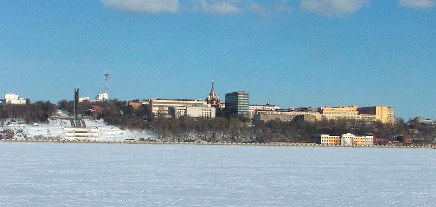 Жителей Удмуртии предупреждают: лед на наших водоемах еще очень тонкий