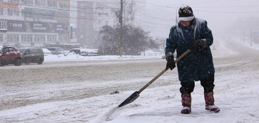 Снегопады в Ижевске: 320 тонн снега и рост количества ДТП с пострадавшими