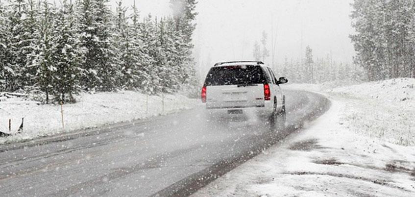 ГИБДД Удмуртии предупредили автомобилистов Ижевска о метели и снежных заносах