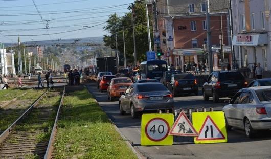Рабочие о реконструкции улицы Карла Маркса в Ижевске: должны успеть в срок